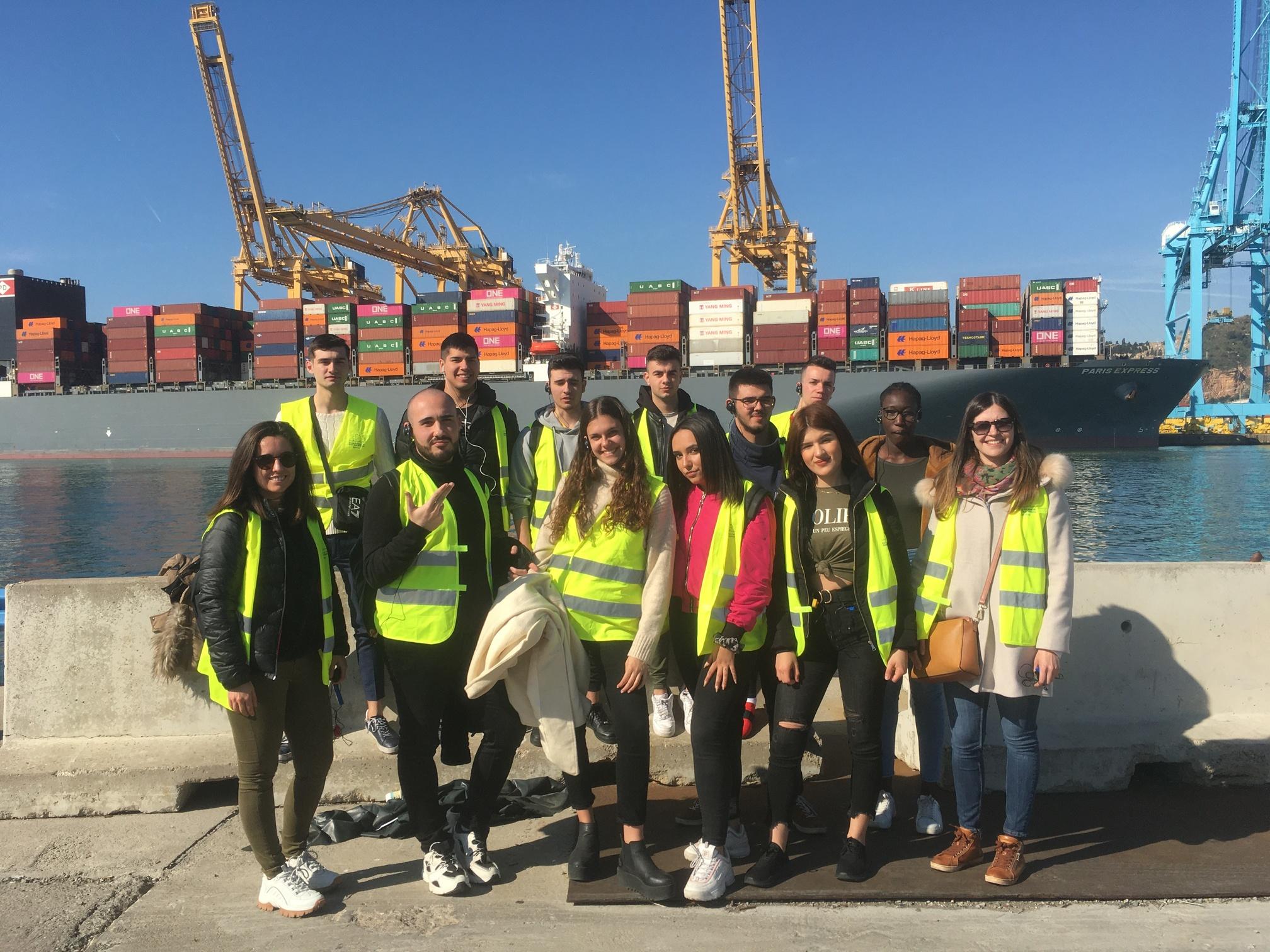 Visite du port de Barcelone avec des étudiants de l'IES